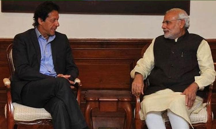 'পাঠানপুত্র' ইমরান খানকে মোদীর চ্যালেঞ্জ
