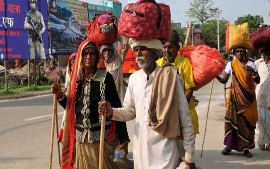 দলে দলে পালাচ্ছে লোকজন, ভারত শাসিত কাশ্মিরে চরম আতঙ্ক