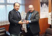 জাপানের পর্যটন প্রতিমন্ত্রী সঙ্গে বাংলাদেশের প্রবাসী কল্যাণ ও বৈদেশিক কর্মসংস্থান মন্ত্রীর বৈঠক