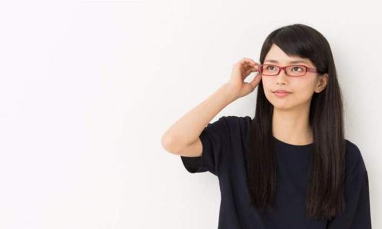 জাপানে নারীদের চশমা পরায় নিষেধাজ্ঞা