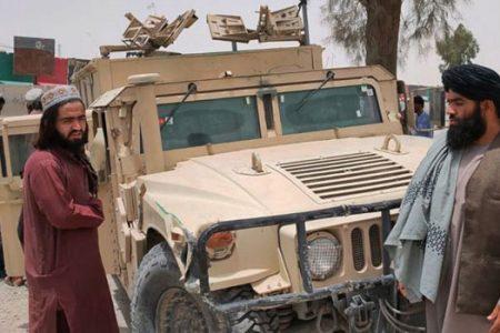 আফগানিস্তানের অর্ধেক তালেবানের নিয়ন্ত্রণে